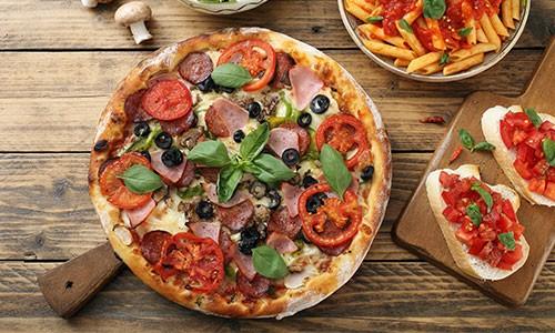 CityGames Dresden Firmen Team Pro Tour: Pizza e Pasta Menü im L'Osteria
