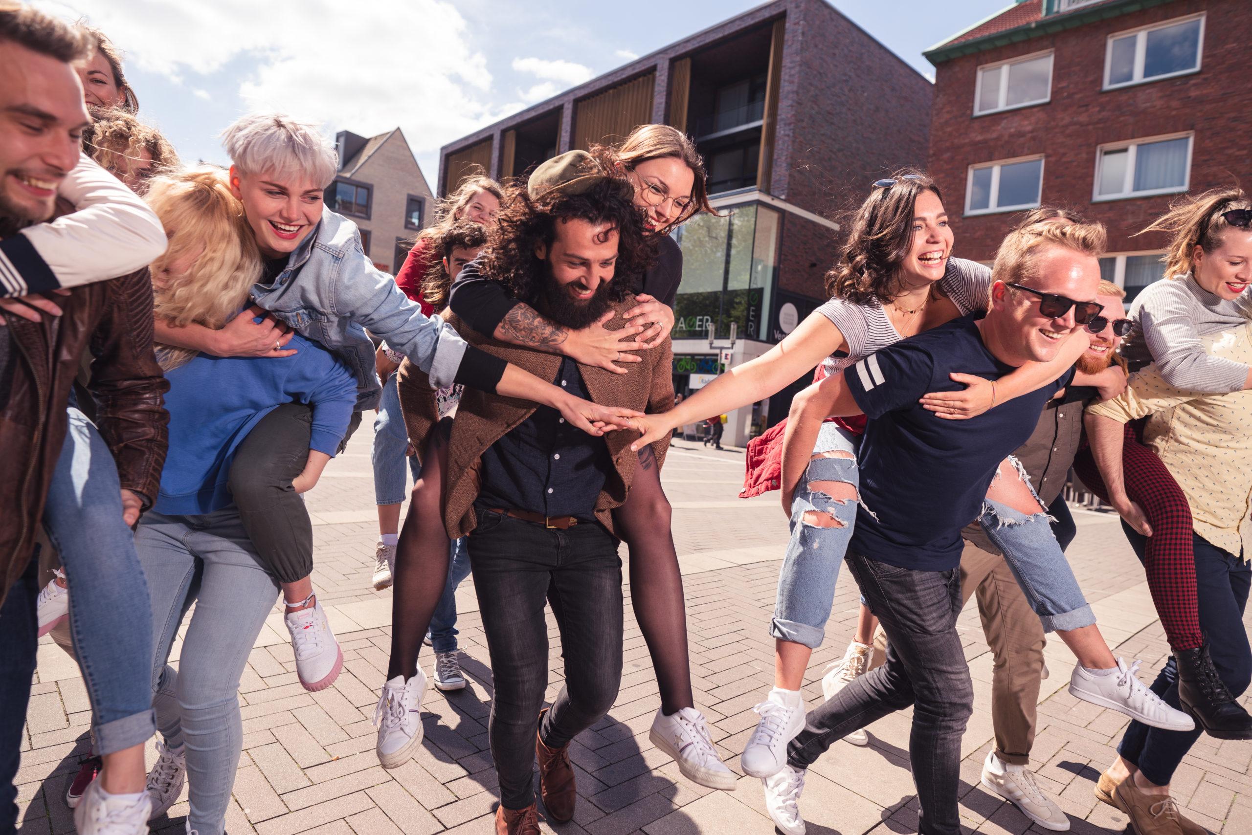 CityGames Köln Student Tour: Kölner Dom und blauer Himmel